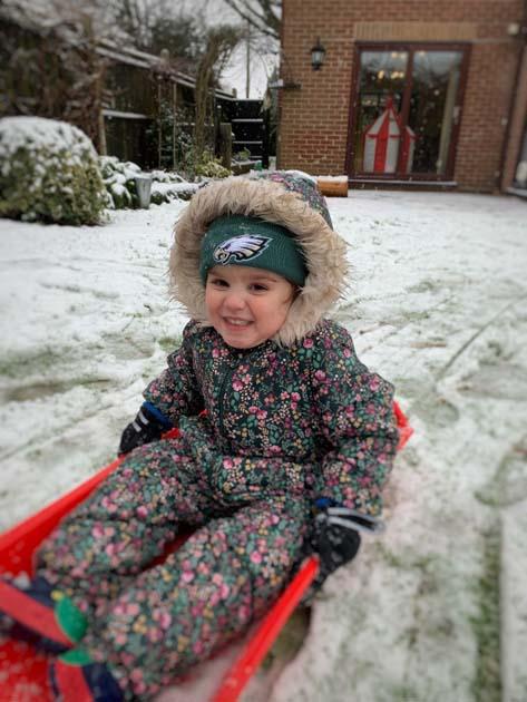 Essie snow 4